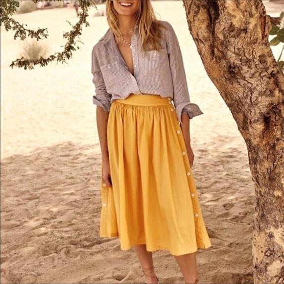 3b7bab0cf Madewell Dresses & Skirts - Madewell side button skirt SIZE 2